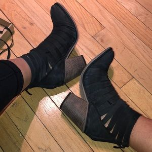 Free People brand new 8 Hybrid black strappy boot